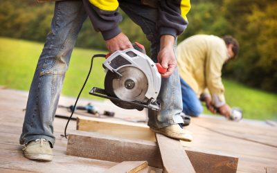 How likely is a construction worker to be electrocuted?